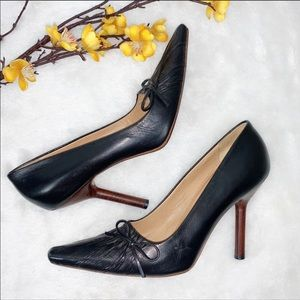 VINTAGE GUCCI | 8 Leather Pumps Wooden Heels